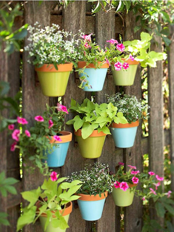 DIY: Aprenda a montar um jardim vertical em casa